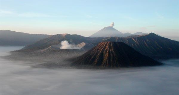 Gunung Bromo dan Kisah Penciptaan Manusia
