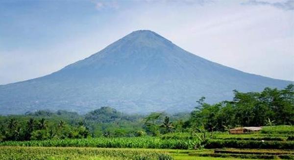 Gunung Sindoro Candi